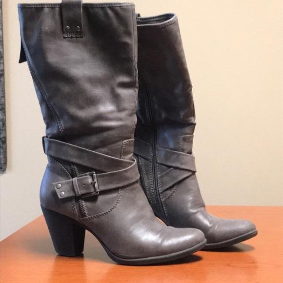 0638dd74ce8 Grey mid-calf Worthington boots